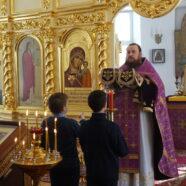 В крестильном храме прихода Воскресения Христова благочиния Арзамаса прошла детская Литургия.