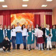 Волонтеры Арзамасской православной гимназии совместно с Арзамасским благотворительным фондом «Дети» провели социальную акцию «Твоя рука в моей руке»