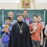 Молодежь Арзамаса приняла участие в акции, посвященной Неделе православной книги