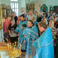 Престольный праздник встретили в Тихвинской церкви города Арзамаса